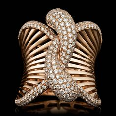 Best Diamond Bracelets : Rose Gold Diamond Ring - The best diamond fashion Luxury Jewelry, Modern Jewelry, Fine Jewelry, Jewelry Making, Black Gold Jewelry, Sparkly Jewelry, Diamond Bracelets, Diamond Jewelry, Diamond Rings