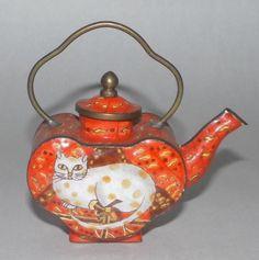 "ENAMEL/CLOISONNE TEAPOT Miniature by KELVIN CHEN of Empress Arts, Ltd.,  ""CHARLOTTE DE VITA' Cat, made late 1990s."