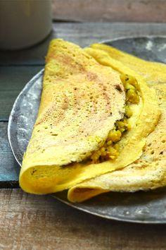 Indian Breakfast, Breakfast Dishes, Breakfast Recipes, Moong Dal Chilla, Dosa Recipe, Chaat Masala, Curry, Good Food, Vegetarian