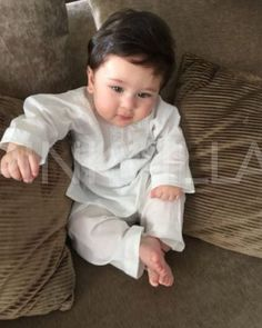 "149.5k Likes, 1,529 Comments - Pinkvilla (@pinkvilla) on Instagram: ""Taimur Ali Khan is undoubtedly the cutest star kid and his latest picture is a proof! @pinkvilla …"""
