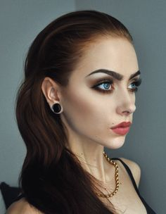 Johanna F. Herrstedt makes me want to up my liner game stat...