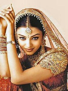 MUSE Aishwarya Rai#masterandmuse #ambervalletta #yoox