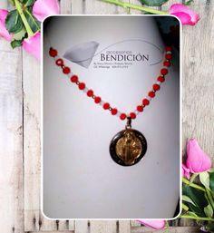 Delicado Collar con dije de San Benito. Cel./WhatsApp829.873.2764 #accesoriosbendicion #BlessingStyle