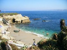 La Jolla Beach is one of the most famous beaches in California, and it's a tourist hotspot. Book your next vacation in this bustling beach town...with a San Diego vacation rental home, you'll be living in the lap of luxury and loving life on the beach!