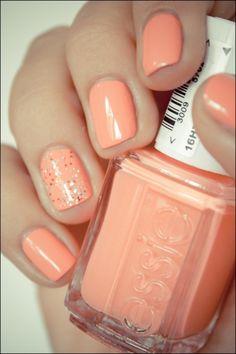 nail polish w/ glitter on ring finger