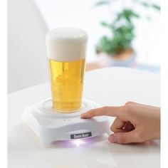 Like your beer foamy? Check out the Sonic Hour which amps up the foam factor at the push of a button: http://cnet.co/10OwEDg