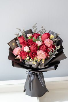 Boquette Flowers, Purple Flower Bouquet, Chocolate Flowers Bouquet, Beautiful Bouquet Of Flowers, Luxury Flowers, Beautiful Flower Arrangements, Happy Flowers, Floral Bouquets, Floral Arrangements