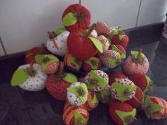 Minha colheita de maçã e morangos...