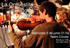 """""""La Orquestita Unplugged"""". Con más de veinticinco músicos en escena, este miércoles 5, a las 21 horas, en el Teatro Circular de Montevideo, Av. Rondeau y Colonia- se presenta """"La Orquestita Unplugged"""" con Leo Maslíah al piano y en la dirección."""