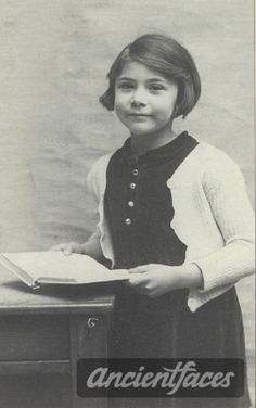 A photo of Rosa Farber; Rosa Farber, * in Paris; deported on convoy 34 of September murdered in Auschwitz (source: Serge Klarsfeld, French children of the Holocaust) Holocaust Memorial, History Images, Losing A Child, Yesterday And Today, World History, World War Two, Historical Photos, Wwii, Museum