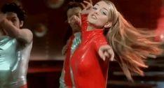 """Ich habe:""""Fanliebe der ersten Stunde"""" (10 von 12! ) - Erkennst du diese Britney-Videoclips an nur einem Outfit?"""