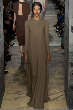 Valentino Spring 2014 Couture - Runway Photos - Fashion Week - Runway, Fashion Shows and Collections - Vogue Couture Fashion, Fashion Show, Fashion Design, Couture Style, Paris Fashion, Runway Fashion, Modest Fashion, Hijab Fashion, Valentino Couture