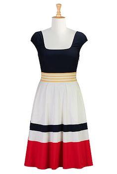http://www.eshakti.com/clothpdpage.asp?catalog=Clothes&cate=day+dresses&productid=CL0019564