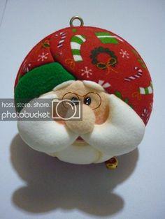 Christmas Ornaments, Holiday Decor, Santa Clause, Diy, Patchwork Embutido, Christmas Baubles, Wreaths, Craft, Christmas Cushions