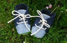 Baby shoes a pattern with instructions