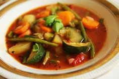 minestrone Ratatouille, Thai Red Curry, Ethnic Recipes, Food, Mexican Meals, Diet, Essen, Meals, Yemek
