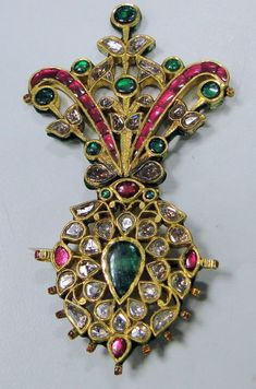 Antique Royal Diamond Ruby Emerald Gold Maharaja turban pin pendant Jewelry