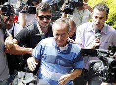 O ex-diretor da Petrobras Nestor Cerveró chega à superintendência da PF de Curitiba (PR)
