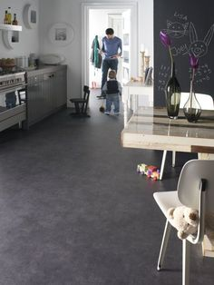 Everything you want to know about modern linoleum sheet flooring linoleum flooring - basement Novilon Fusion Fusion 5704 Lava voor bespreekkamer Basement Flooring, Vinyl Flooring, Kitchen Flooring, Clean Linoleum Floors, Linolium, 1970s House, Floor Design, Sweet Home, New Homes