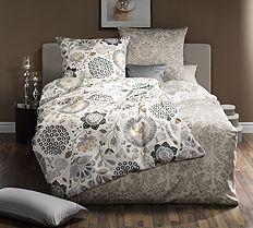 Teppiche - Bettwäsche - Tischdecken -Bettwaren - Online Shop Sofas, Comforters, Modern, Blanket, Bed, Furniture, Home Decor, Furniture For Living Room, Bedroom