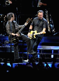 Nils Lofgren and Bruce Springsteen - Madison Square Garden, NY on 4/6/2012