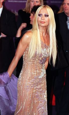 Donatella Versace Donatella Versace Before, Gianni And Donatella Versace, Gianni Versace, Versace Versace, Mundo Fashion, Atelier Versace, Textiles, Couture Dresses, Boss Lady