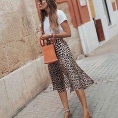 80s And 90s Fashion, Fashion Over 40, Fashion 2020, Fashion Trends, Fashion Pants, Fashion Dresses, Fashion Tips For Women, Womens Fashion, Minimalist Fashion