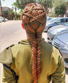 Magan David - Star of David - hairdo so suits this Israeli soldier...