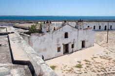 A Fortaleza de São Sebastião da Ilha de Moçambique localiza-se na ilha de Moçambique,na província de Nampula,em Moçambique.A ilha,com apenas 2,5 quilómetros ...