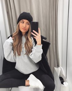 Comfy casj 🌚 wearing all AD Lazy Day Outfits, College Outfits, Trendy Outfits, Cute Outfits, Fashion Killa, Fashion Beauty, Girl Fashion, Fashion Outfits, Fall Winter Outfits