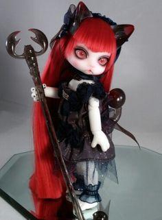 My Luts Zuzu Delf Scorpio Persi with her alternate outfit.