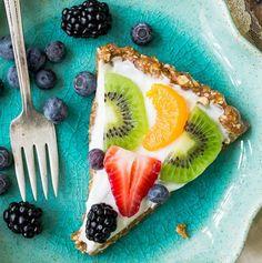 Greek Yogurt Fruit Tart | Healthy Spring Recipes For Kids & Adults | https://homemaderecipes.com/healthy-spring-recipes/