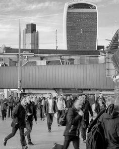 Commuting life London Bridge Station #fb #dailygrind #commuters #streetphoto #London #cityscape #bw_life #FujiX