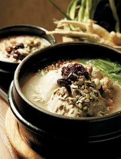 쌀쌀한 날씨도 금세 잊게 해주는 후끈한 한 그릇, 성남 닭죽촌 민속마을 닭죽