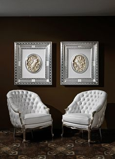 These 2 elegant and charming Lounge Chairs in white style by Vismara Design are perfect for every space of your home, from the entrance hall to bed room, from livingroom to entertainment room.