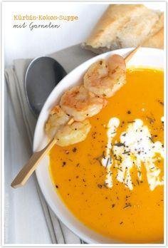 Kürbis-Kokos-Suppe mit Garnelen von http://dreierlei-liebelei.blogspot.de