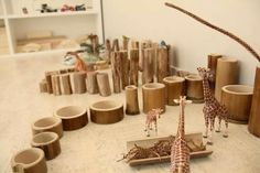Bamboo as a play material - natural and beautiful Play Based Learning, Learning Spaces, Learning Centers, Early Learning, Reggio Emilia, Reggio Classroom, Block Area, Block Play, Small World Play