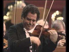Itzhak Perlman Beethoven violin concerto. Berliner Philharmoniker. Conductor Daniel Barenboim. Violin Itzhak Perlman.