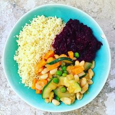 Vegan lunch - couscous with beetroot and spicy vegetables