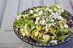 Πράσινη σαλάτα με αβοκάντο, φέτα και vinaigrette lime Vinaigrette, Cobb Salad, Cooking Recipes, Food, Cooker Recipes, Chef Recipes, Meals, Yemek, Vinaigrette Dressing