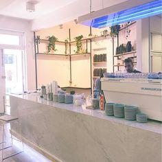 Mid-class coffee break @poolhousecoffee with @kaitywood_  #ButFirstCoffee #CoffeeShopCorners #MelbourneCoffee