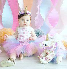 First Birthday Tutu Set Outfit #unicornparty #fisrtbirthday #birthdaygirl #rainbow #tutuskirt #tutuoutfit