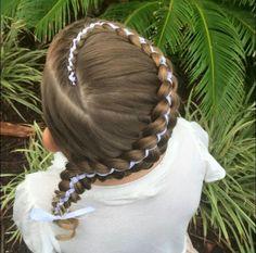 nice Высокие прически на выпускной 2016 — Идеи на длинные и средние волосы (55 фото) Читай больше http://avrorra.com/vysokie-pricheski-na-vypusknoj-foto/