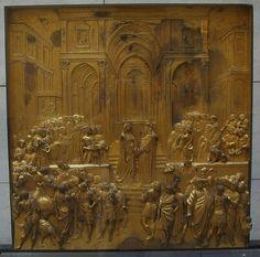 """Lorenzo Ghiberti, """"Salomone incontra la regina di Saba"""", rilievo (stiacciato) in bronzo, Porta del Paradiso."""