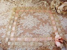 クロッシェ・リボン・フレーム - イギリスとフランスのアンティーク | バラと天使のアンティーク | Eglantyne(エグランティーヌ)
