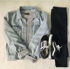 Comfy Jean Outfits Source by Outfits for college Teenage Outfits, Teen Fashion Outfits, Edgy Outfits, Cute Casual Outfits, College Outfits, Jean Outfits, Outfits For Teens, Fall Outfits, Denim Jacket Outfits
