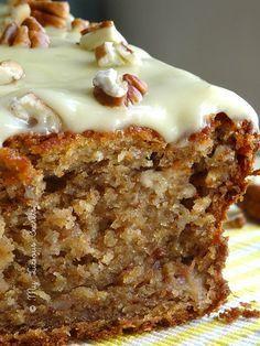 Banana bread – www.myliciousecre… Banana bread – www. Bread Machine Recipes, Banana Bread Recipes, Cake Recipes, Dessert Recipes, Delicious Desserts, Yummy Food, Biscuit Cake, Bread Cake, Desert Recipes