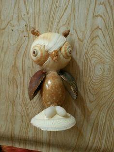 #owl #shell #seashell #wondershell #seashellcraft #чудоракушки #ракушки #сова Seashell Ornaments, Seashell Art, Seashell Crafts, Starfish, Diy Crafts For Gifts, Crafts To Do, Oyster Shell Crafts, Shell Animals, Seashell Projects