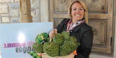 Enginarın kalbi Urla'da atacak Cabbage, Vegetables, Food, Essen, Cabbages, Vegetable Recipes, Meals, Yemek, Brussels Sprouts