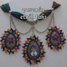 Yasemin İşal. (@yasemin_igne_oyasi_etnik_taki)   Instagram photos and videos Scarf Jewelry, Diy And Crafts, Highlights, Handmade Jewelry, Design, Handmade Jewellery, Luminizer, Jewellery Making, Highlight